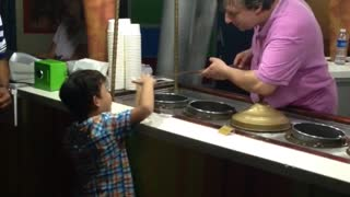 Ice cream vendor pranks kid - Video